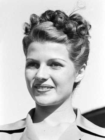 Women's 1940S Hairstyles: An Overview - Hair And Makeup Artist - Best Hairstyles & Haircuts